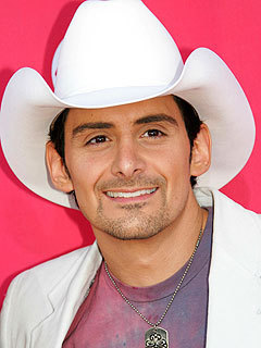 Brad Paisley wallpaper containing a snap brim hat, a campaign hat, and a fedora titled BRAD