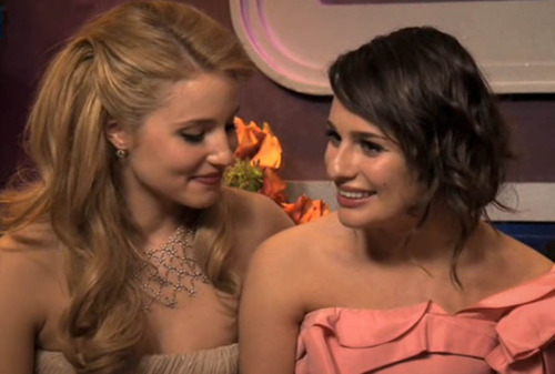 dianna agron and lea michele kissing. Lea-michele-dianna-agron-kiss