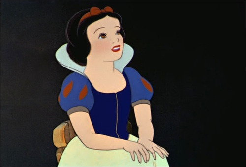 Disney Leading Ladies karatasi la kupamba ukuta titled Beautiful Snow White