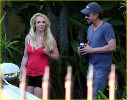 Britney Spears: Shooting Video This Week!