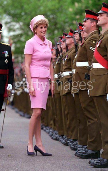 Diana Presents Colours
