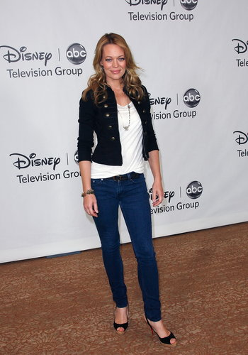 Disney ABC ویژن ٹیلی Group's 2010 Summer TCA Panel (August 1, 2010)