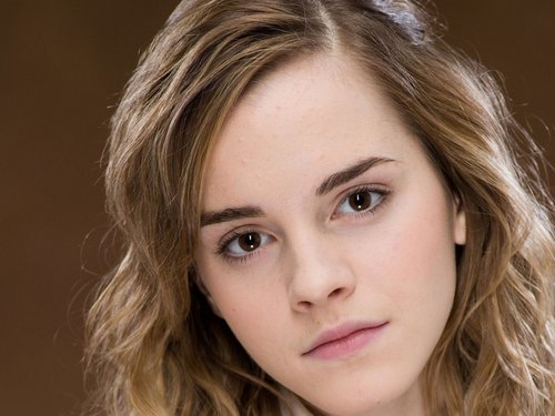 Emma Watson wallpaper containing a portrait titled Emma Watson
