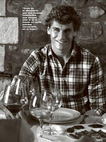 "Fernando Llorente wallpaper containing a dinner table, a brasserie, and a dinner entitled Fernando Llorente for ""Telva"" Magazine (February 2011)"