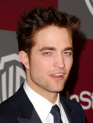 InStyle/WB Golden Globes Party - Robert Pattinson & 303x400