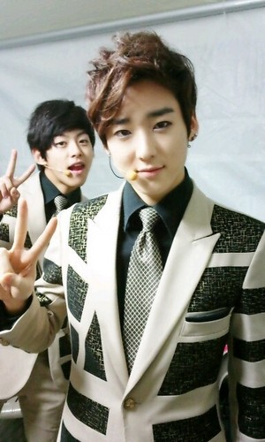 Kevin & Dongho - u-kiss-%EC%9C%A0%ED%82%A4%EC%8A%A4 Photo