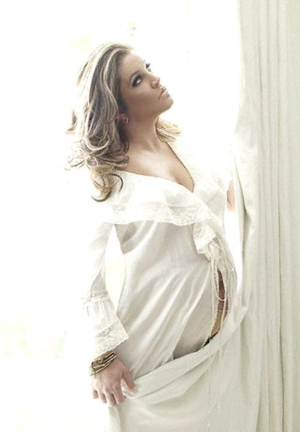 Lisa Marie Pregnant & Heading For Rehab! - Magzter