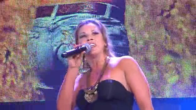 Mickie James 2012 Singing Mickie Singing (Live) ...