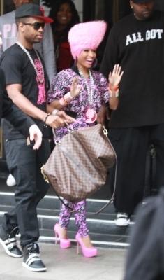 Nicki Leaving Her Hotel In London (January 20, 2011)