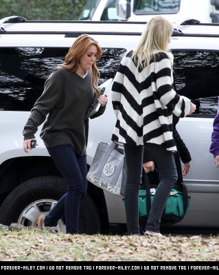 On the set of So Undercover-Jan 16