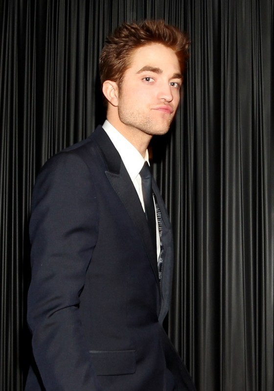 fotografias Of Robert Pattinson At The Golden Globe After Parties!
