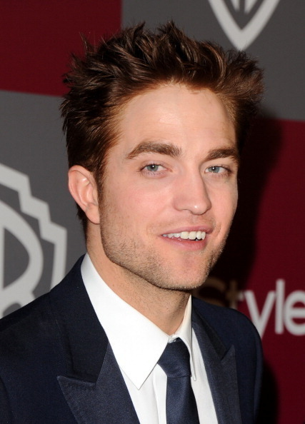 चित्रो Of Robert Pattinson At The Golden Globe After Parties!