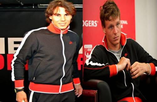 tennis wallpaper possibly with a abbigliamento da lavoro entitled RAFA AND TOMAS IN THE SAME SWEATER