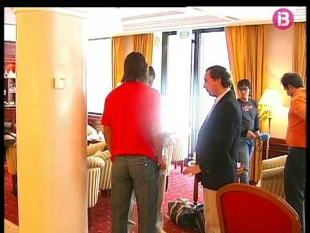 Rafa in red shirt, pants without pockets and thong revealing too Rafa ass !!