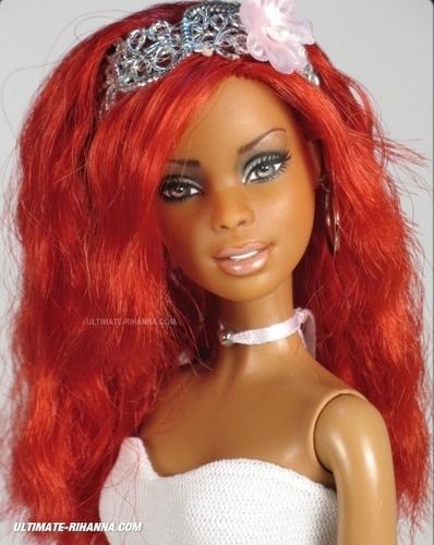 Rihanna's mga manika
