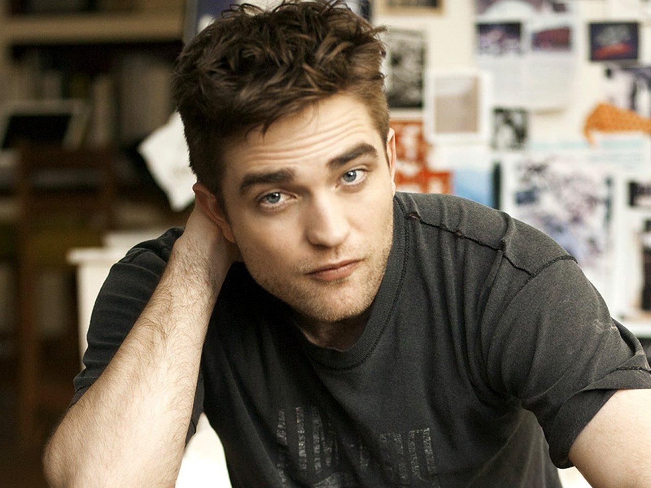 Robert Pattinson - Robert Pattinson Wallpaper (18576593) - Fanpop Robert Pattinson