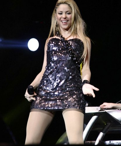 Shakira wallpaper titled SHAKIRA HOT LEGS