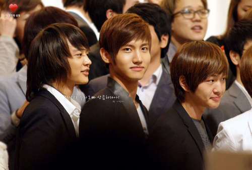 SHINee at a Wedding with Changmin and Yunho DBSK 100522