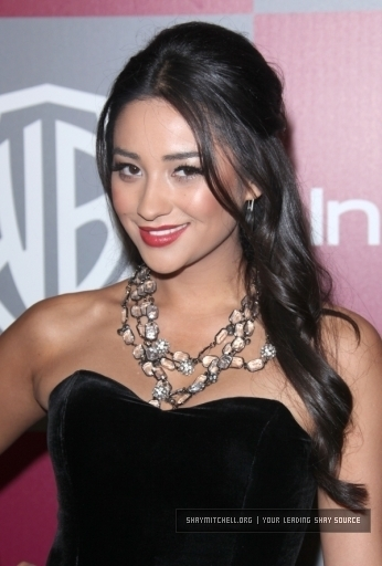shay mitchell girlfriend. shay mitchell girlfriend. Shay Mitchell Model.