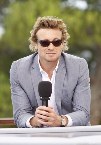 साइमन बेकर वॉलपेपर probably with a business suit called Simon Baker / 50th Monte Carlo TV Festival