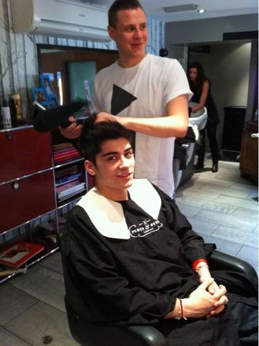 Sizzling Hot Zayn Getting His Goregous Thick Black Hair Done (He Leaves Me Breathless) 100% Real :)x