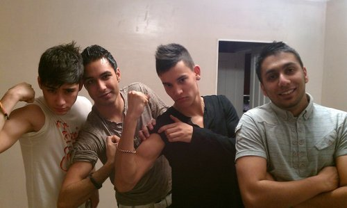 Sizzling Hot Zayn Getting His guns Out Wiv His M8s (Ant His Best M8 Is In The Black) 100% Real :) x