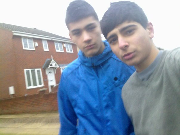 Sizzling Hot Zayn Hanging Wiv M8 B4 The X Factor 100% Real :) x