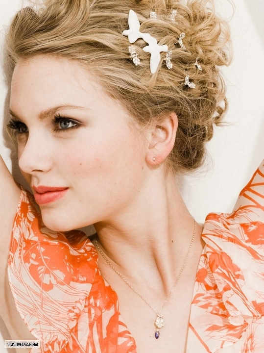 Taylor Swift - Photoshoot #081: Seventeen (2009 ...  Taylor Swift - ...