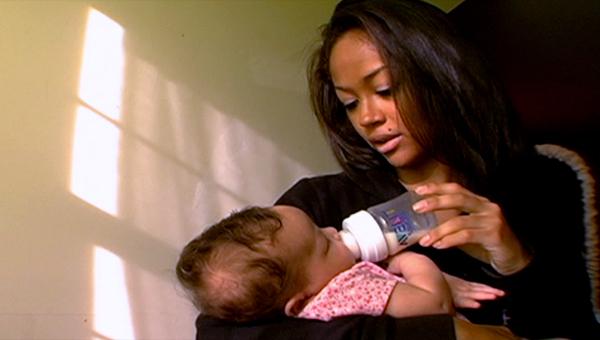 mtvs 16 pregnant glorifies teen pregnancy essay