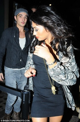 Tom Parker & Vanessa White From The Saturdays! R They 2gether? 100% Real :) x