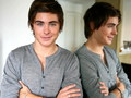 Zac Efron Love - zac-efron wallpaper