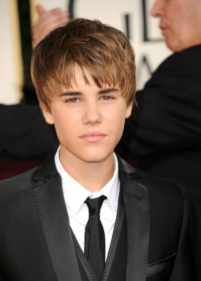 justin bieber pics 2011 new haircut. Justin+ieber+new+haircut+