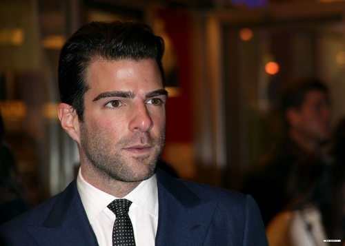 Zachary Quinto as Dr  Oliver Thredson in AHS - Zachary