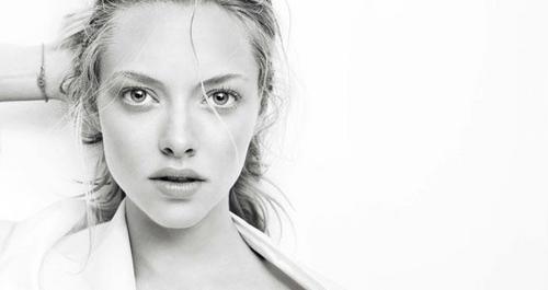 2 New Outtakes from Amanda's 'Clé de Peau Beauté' Photoshoot (January 2011).