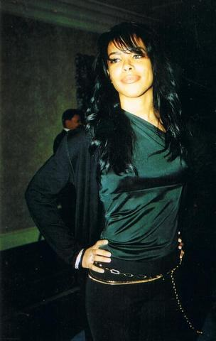 aaliyah wallpaper probably with a well dressed person entitled aaliyah