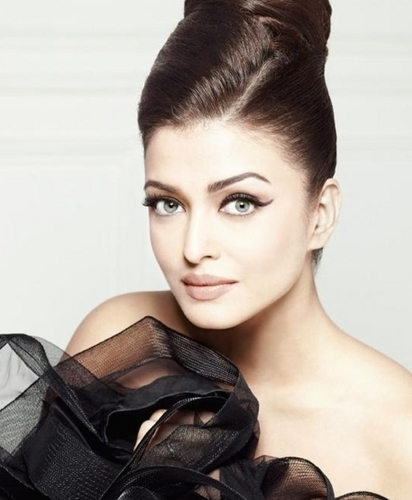 "Aishwarya Rai for ""Elle"" India (December 2010)"