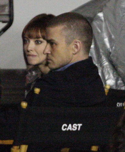 Amanda on the set of 'Now' (January 17 2011)
