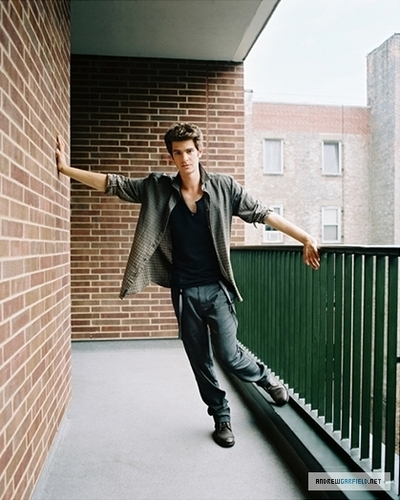 Andrew Garfield پیپر وال with a hip boot called Andrew <3