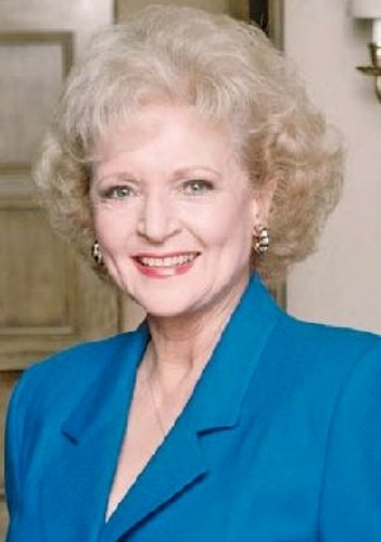 Golden Girls VS Designing Women 壁纸 possibly with a portrait entitled Betty White