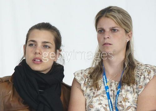 la Princesse charlotte Casiraghi fond d'écran possibly with a portrait entitled charlotte Casiraghi and Athina Onassis de Miranda