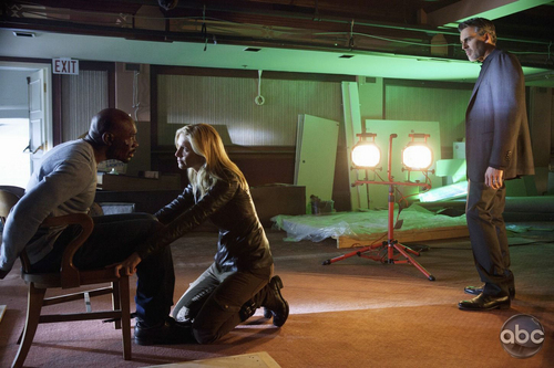 Elizabeth Mitchell on set