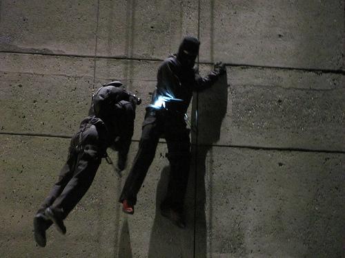 Fringe - Set foto-foto - Observer & Stunt Scene
