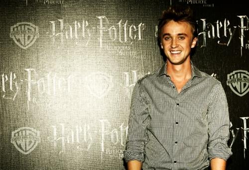 Tom :))
