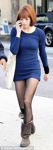 更多 照片 of Amanda on the set of 'Now' (21st January 2011).