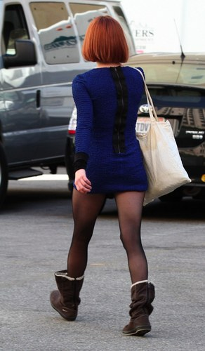 más fotos of Amanda on the set of 'Now' (21st January 2011).