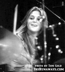 the runaways wallpaper possibly containing a drummer and a konser entitled Sandy West