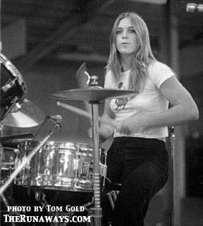 the runaways wallpaper with a drummer and a tympanist entitled Sandy West