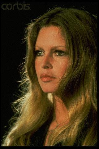 Brigitte Bardot hình nền containing a portrait called Wonderful BB