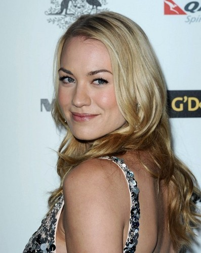 Yvonne Strahovski @ the 2011 G'Day USA Black Tie Gala