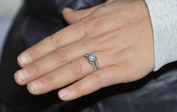 Zara_engagement_ring - zara phillips and mike tindall ...
